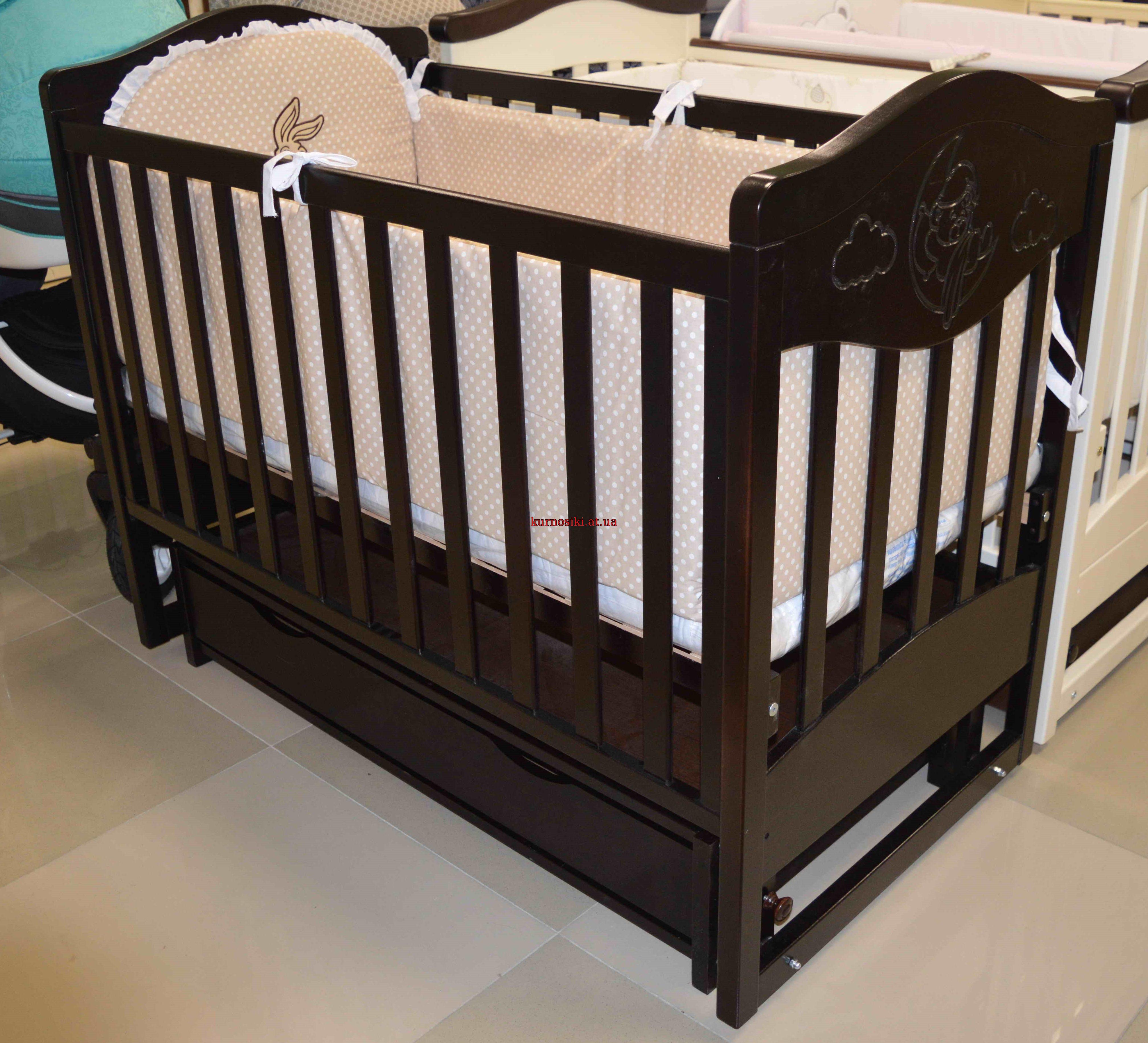 Дана модель виконана з міцного та екологічно чистого дерева - масиву бука.  А дерев яна різьба додає ліжечку особливого ... 5fb12ee0af142